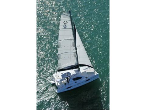 ทัวร์เกาะไม้ท่อน+เกาะเฮ ด้วยยอร์ช Catamaran 1 Day